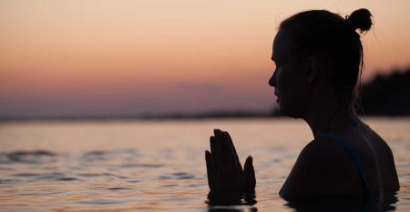 meditation-in-water